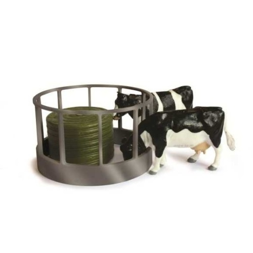 Britains 42715 - Cattle Feeder Pack  - Scale 1.32
