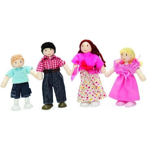P053 - Family of 4 Dolls