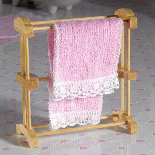 DH 2534 - Dolls House Natural Towel Rack
