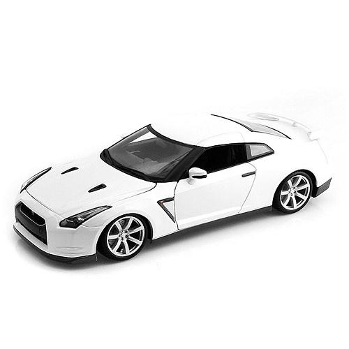 Bburago 12079 - Nissan GT R R35 - White