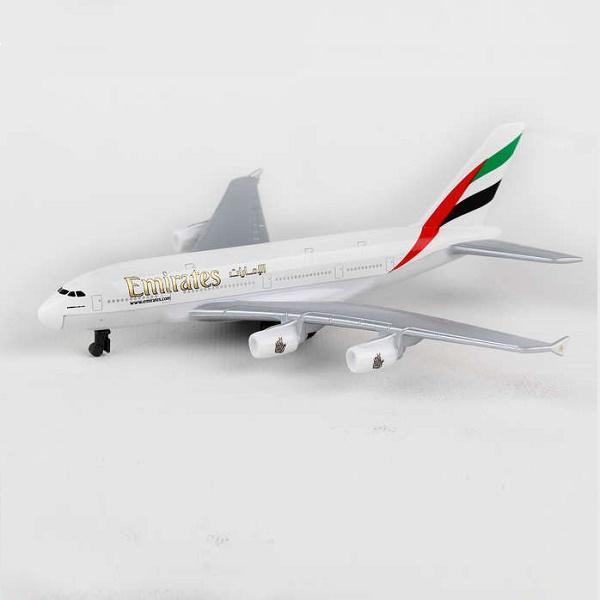 Daron RT9904 - Emirates A380 Single Diecast Plane