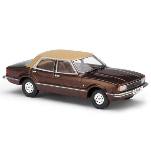 Vanguard 11900 - Ford Cortina Mk1V Ghia - Roman Bronze - Scale 1.43