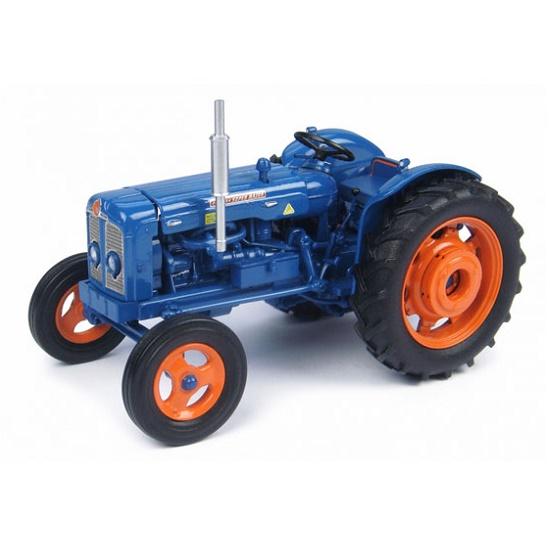 Universal Hobbies 4881 - Fordson Super Major
