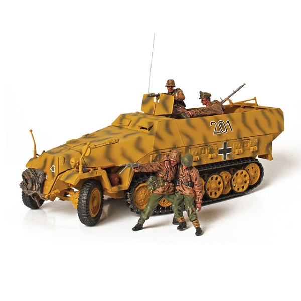 Forces of Valor 81019 - Hanomag - Lithuania 1944  - Scale 1.32